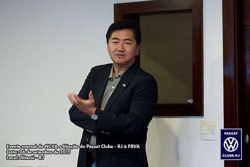 Roberto Suga fala sobre os trabalhos da FBVA, entre outros assuntos, durante o almoço de confraternização.